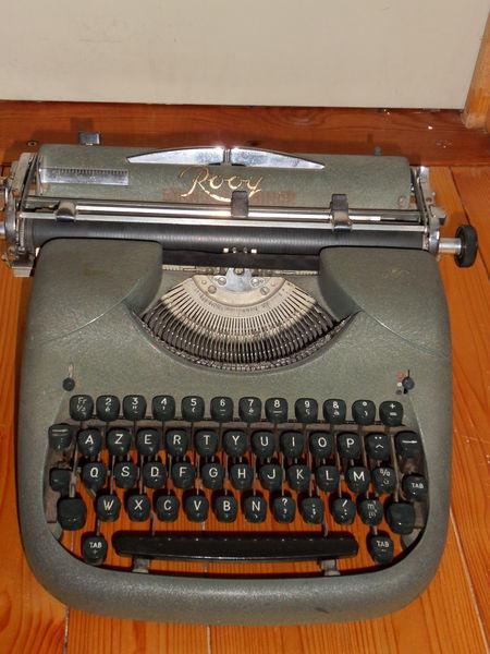 machine à écrire 8 Aubagne (13)