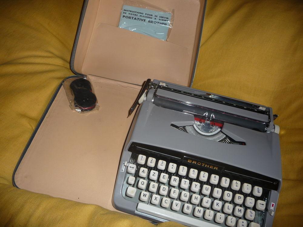 Machine à écrire 200 Saint-Quentin-sur-Nohain (58)