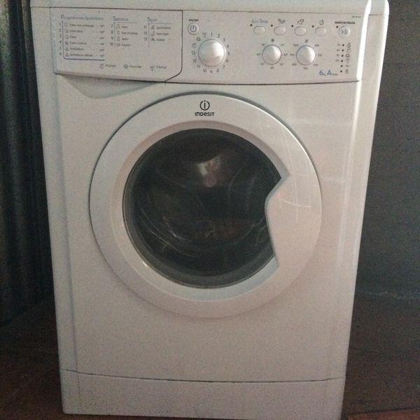 achetez machine laver occasion annonce vente la r union 97 wb150273697. Black Bedroom Furniture Sets. Home Design Ideas