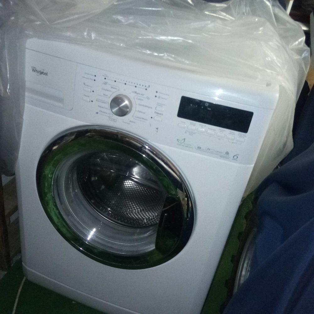 Machine a laver et lave vaisselle encastrables whirpool A+++ 700 Rochemaure (07)