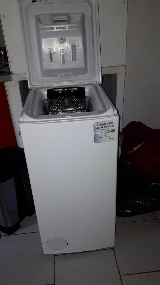 Machine à laver le linge whirlpool quasi neuve  0 Nice (06)
