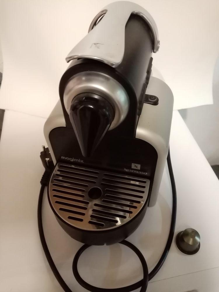 Machine NESPRESSO 30 Villerupt (54)