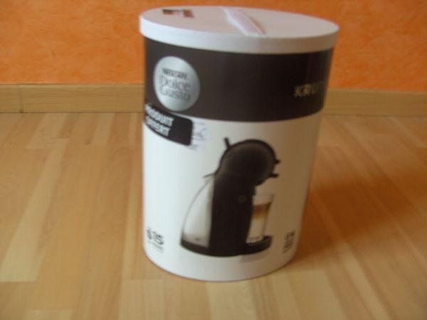 Machine PICCOLO Noire Nescafé Dolce Gusto (Neuve)  40 Ardoix (07)