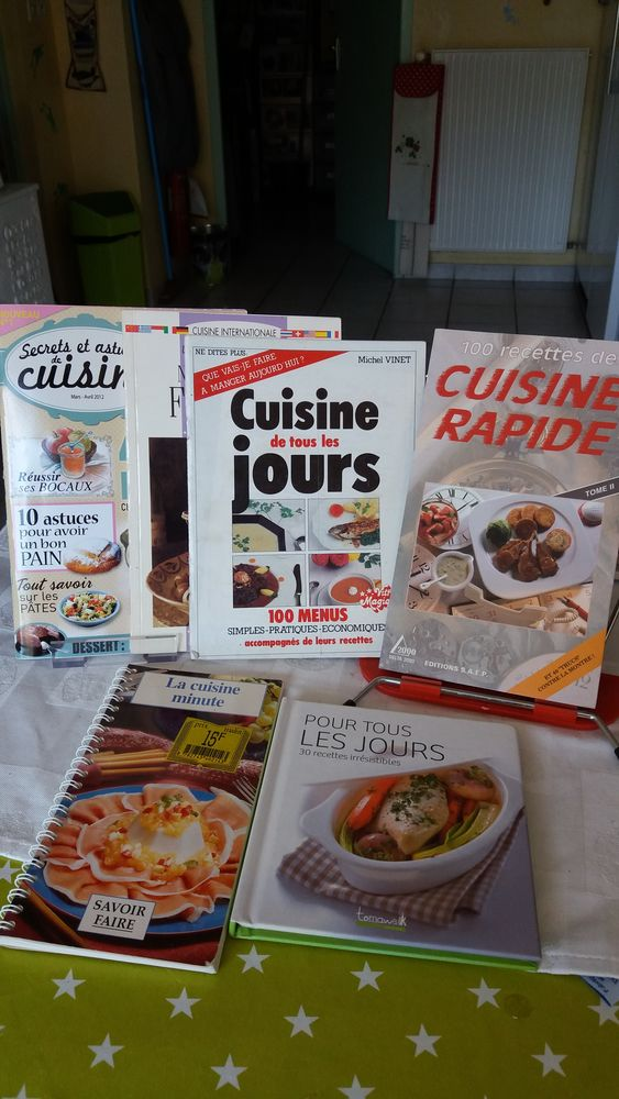 Lot de 6 magazines de cuisine 4 Charantonnay (38)
