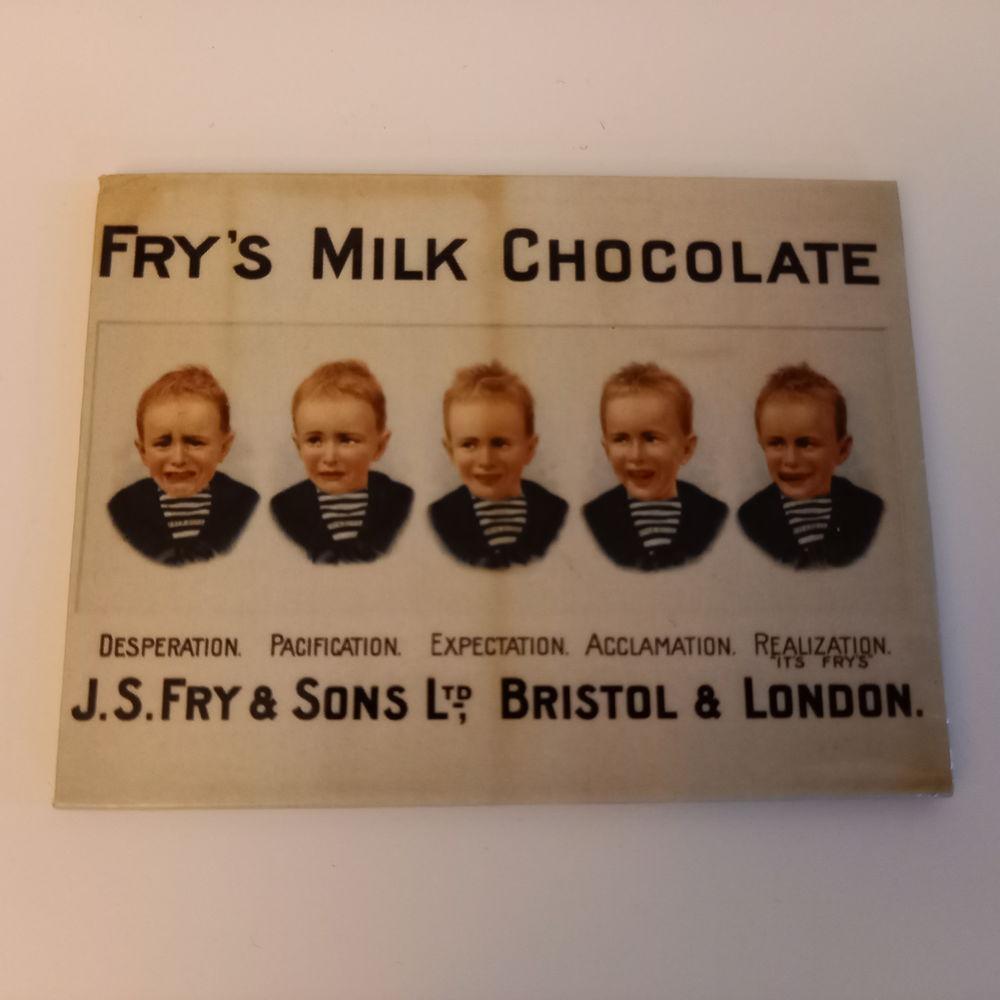 Magnet publicitaire pour une barre chocolatée                5 Saumur (49)