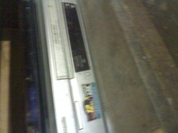 magnetoscope vhs et cassettes diverses 200 Saint-Hilaire-de-Briouze (61)