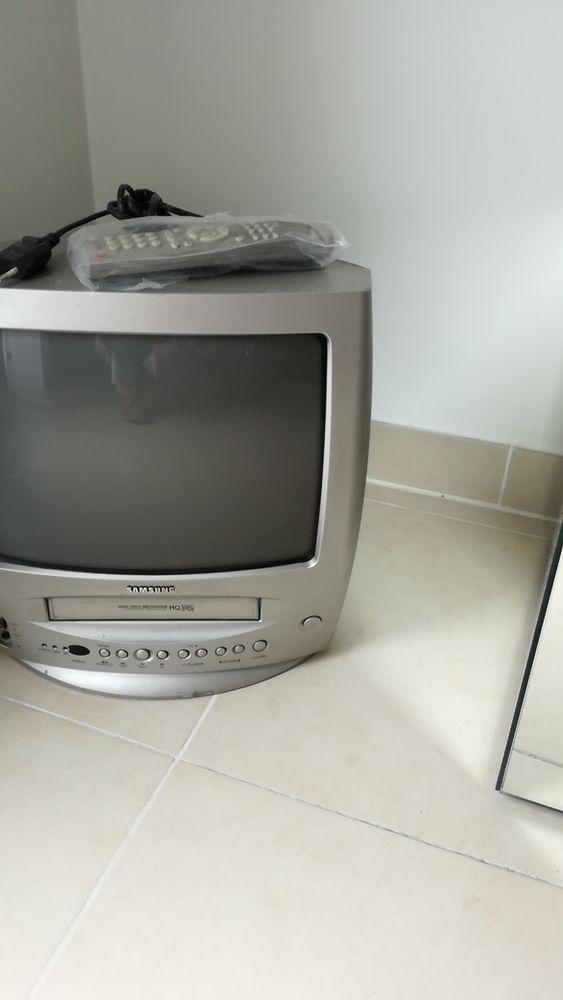 TV /  MAGNETOSCOPE   SAMSUNG  37 cm 40 Juan Les Pins (06)