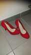 Magnfique Escarpins en daim rouge Jamais porté taille 38