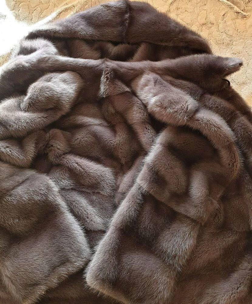 Magnifique manteau vison.  .  850 Toulouse (31)