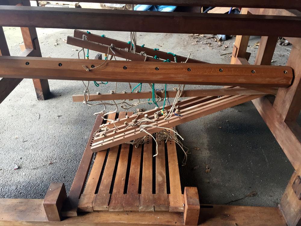 Magnifique métier à tisser ancien  900 Quimper (29)