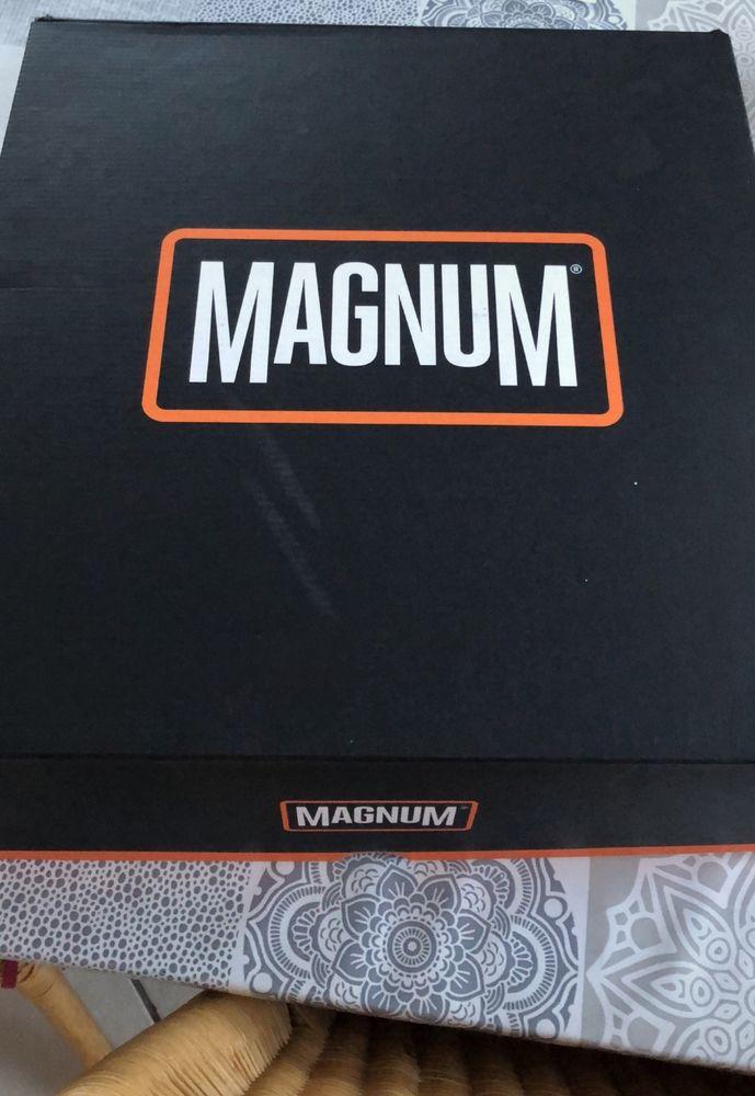 Magnum STRIKE FORCE 8.0 neuves, pointure 47. 100 Évry (91)
