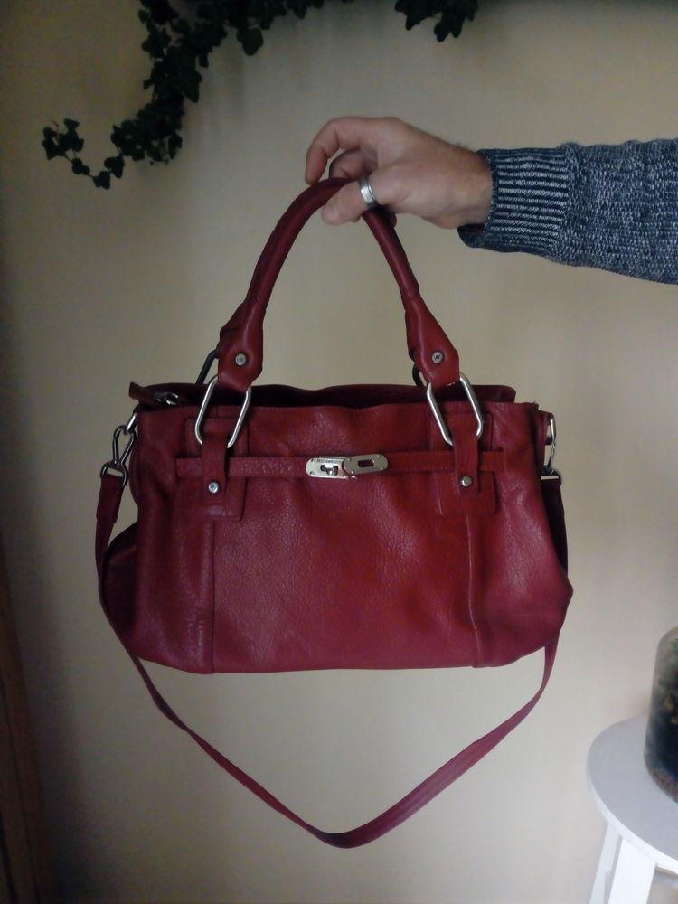 Achetez sac à main en cuir occasion, annonce vente à Lannion