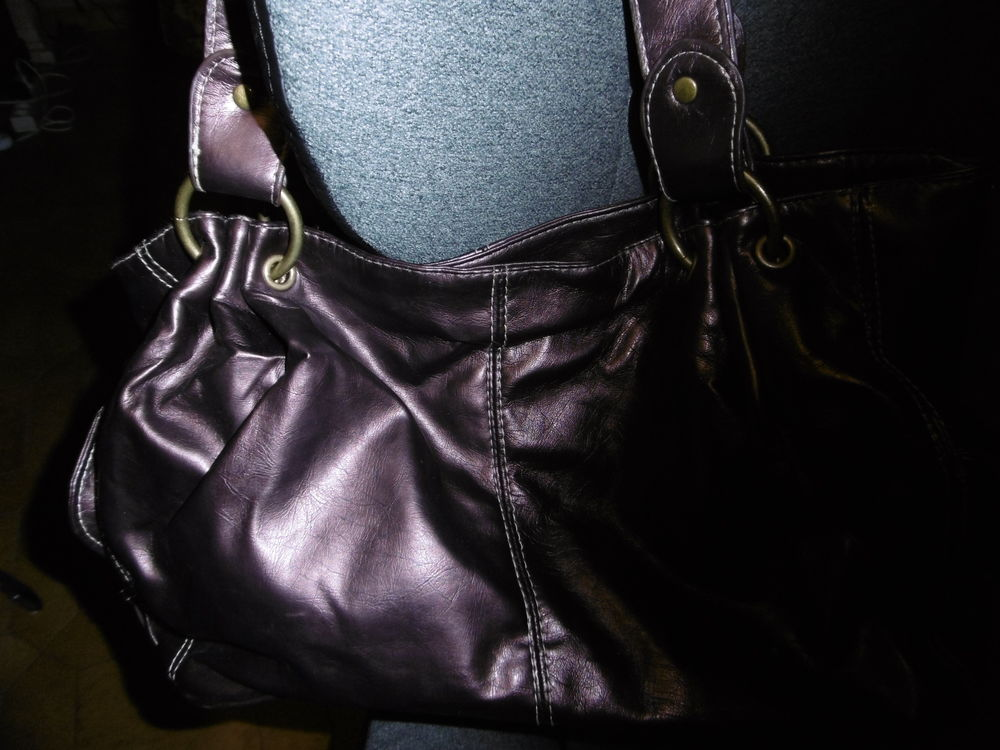 Sac à main, marron brillant, simili cuir, neuf 10 Villars-les-Dombes (01)