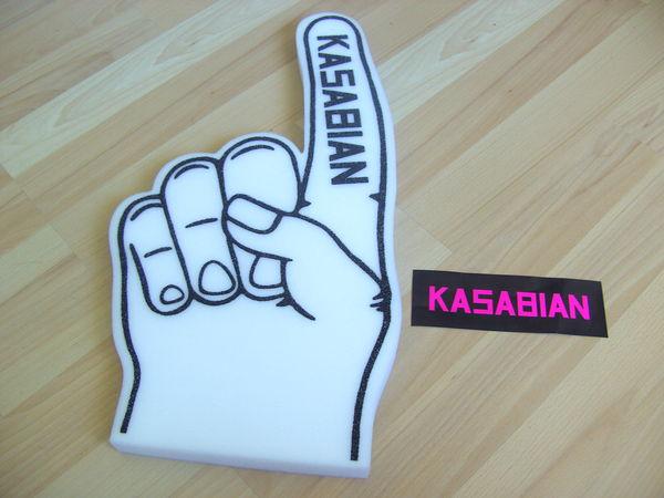 Main en mousse à l'effigie de Kasabian et 1 sticker (Neufs) 10 Ardoix (07)