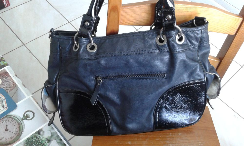sac à main noir brillant 10 Mantes-la-Ville (78)