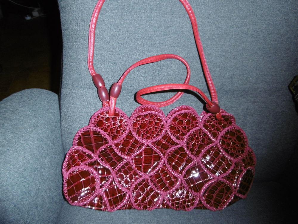 sac à main simili cuir, brillant, original, neuf 15 Villars-les-Dombes (01)