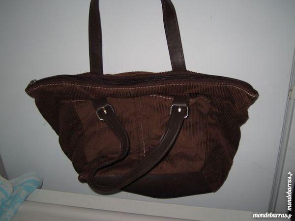 sac à main velours marron 2 Nueil-les-Aubiers (79)