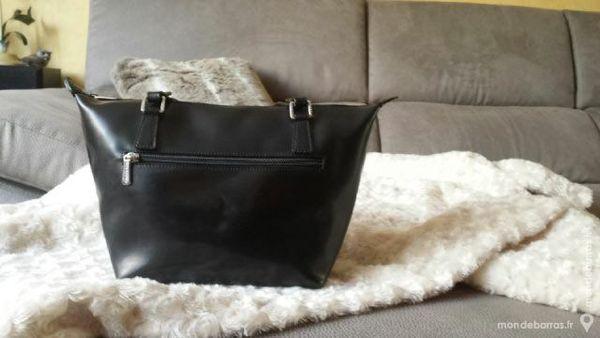 a3cbba0dc7 Sacs à main épaule occasion , annonces achat et vente de sacs à main ...