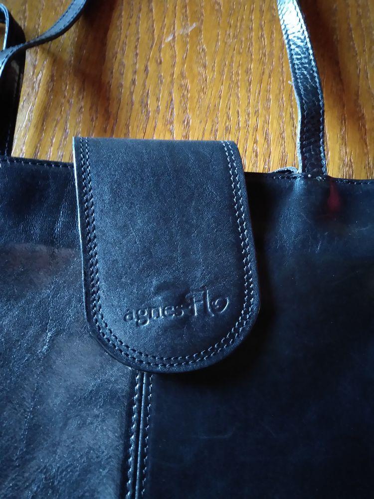 sac à main 2 Vinezac (07)