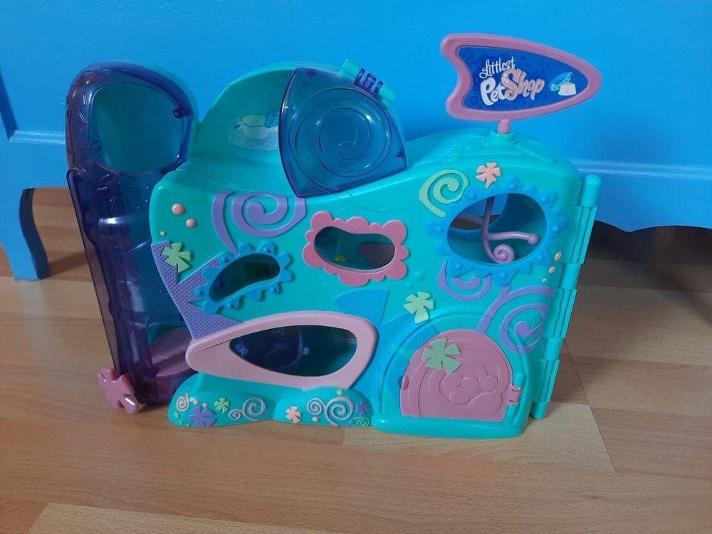 Maison PetShop  LA GARDERIE  + 1 figurine + accessoires TBE  11 Briis-sous-Forges (91)