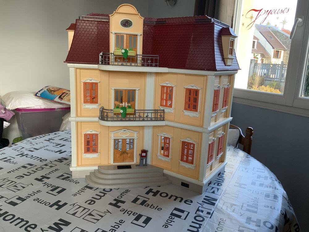 Maison Playmobil 65 Les Essarts-le-Roi (78)