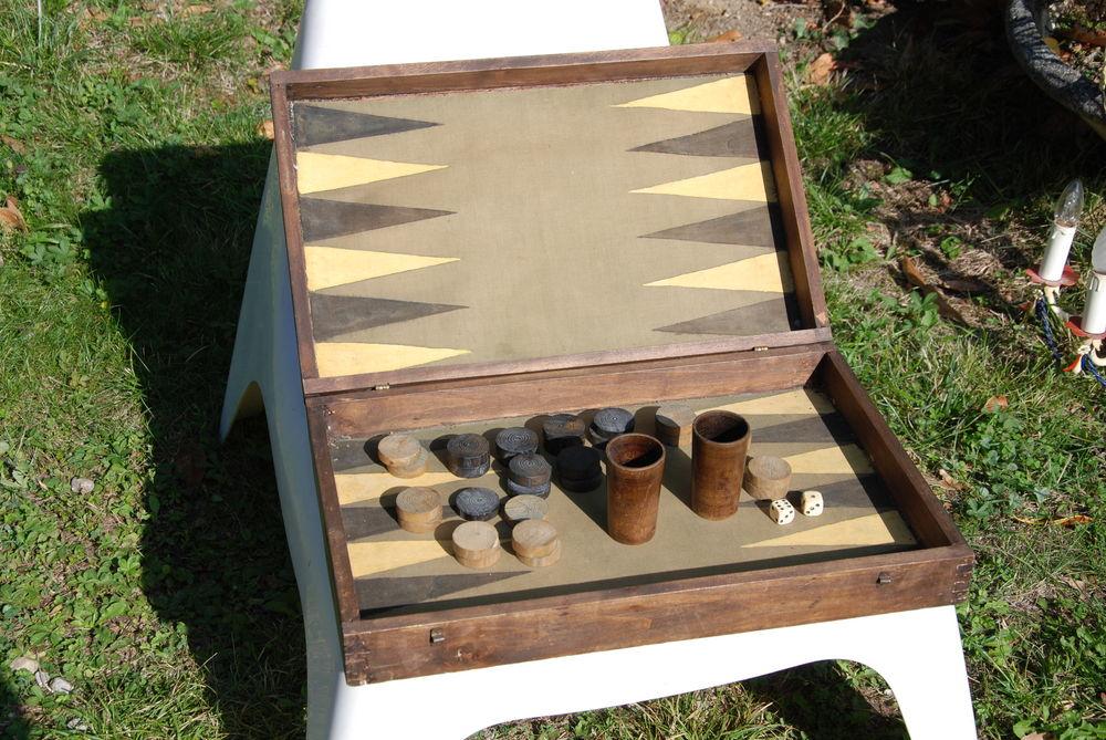 ancien jeu d occasion plus que 2 65. Black Bedroom Furniture Sets. Home Design Ideas