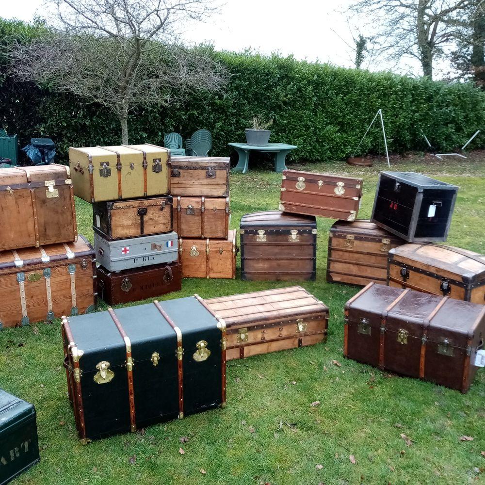 malles , coffres et valises anciennes 190 Guyancourt (78)