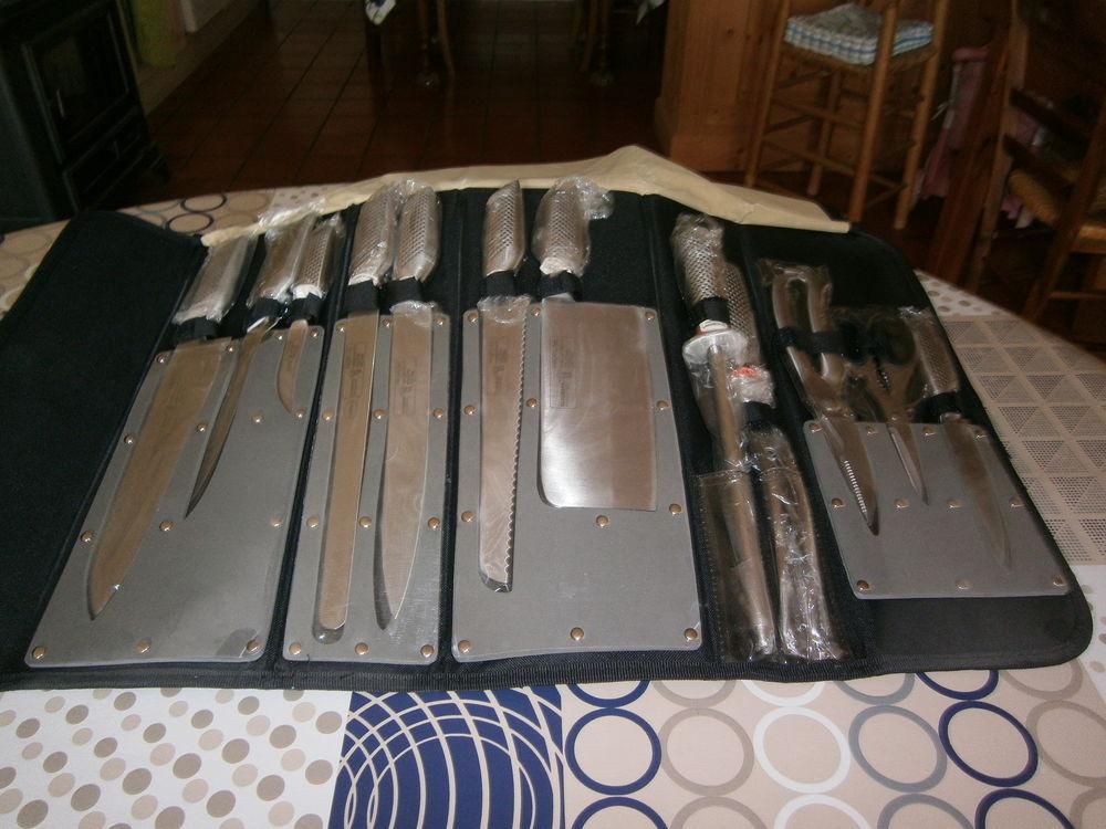 Achetez Mallette Couteaux Neuf Revente Cadeau Annonce Vente A Eyragues 13 Wb159576011