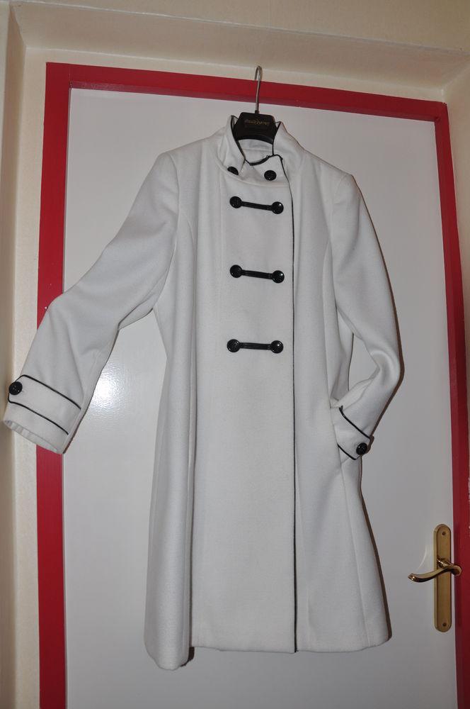 manteau blanc   gansé cuir noir 70 Floirac (33)