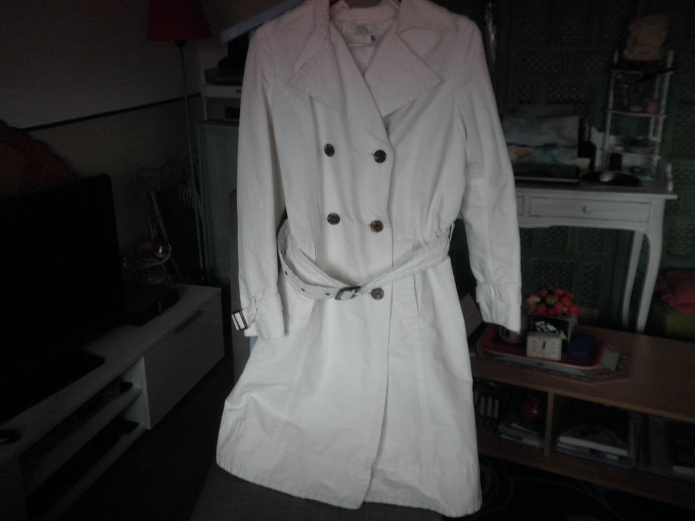 manteau blanc 30 Annecy-le-Vieux (74)