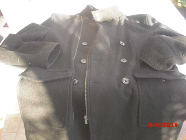 manteau de couleur noire 12 Thiant (59)