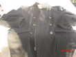 manteau de couleur noire