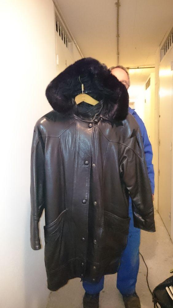 Manteau en cuir noir 15 Nice (06)