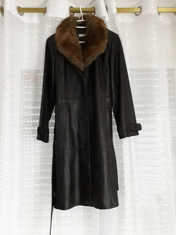 74583d26b Manteau en cuir noir avec col amovible en fourrure synth.