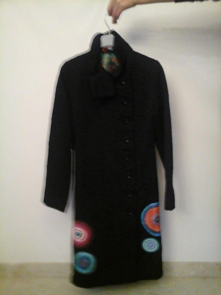 Manteau DESIGUAL noir avec rond colorés  35 Aubergenville (78)