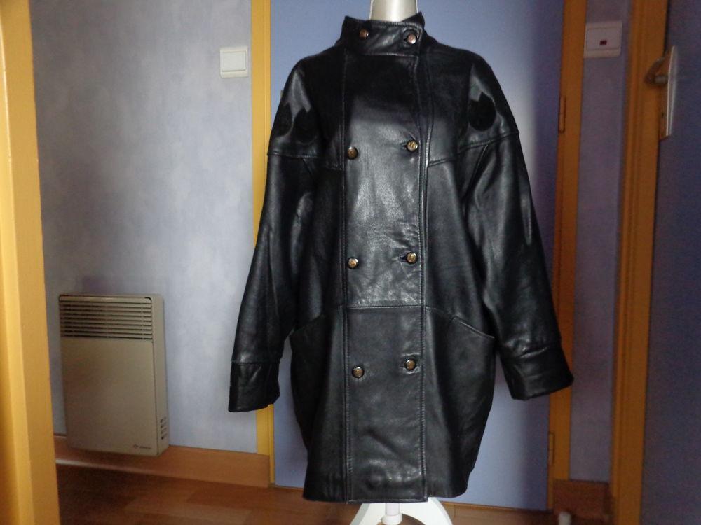 Manteau doublé en cuir agneau. 150 Theix (56)