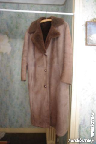 Manteau femme en veau retourné 80 Ris-Orangis (91)