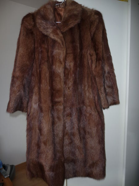 e7c8969d89e Achetez manteau fourrure quasi neuf