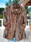 Manteau de fourrure véritable en chevreuil. 150 Fréjus (83)