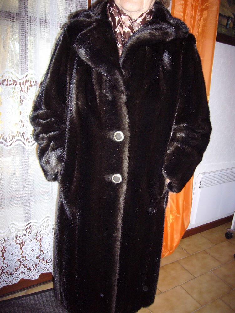 manteau de fourrure  vison brun   300 Jard-sur-Mer (85)