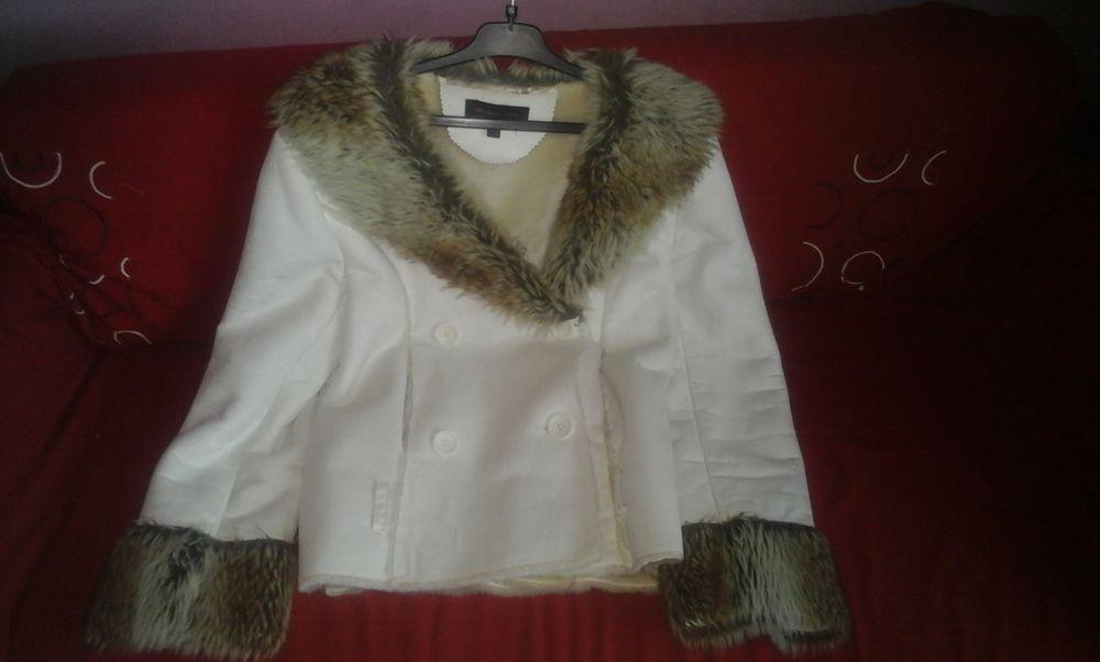 Manteau imitation fourrure et peaux marque zelic Vêtements