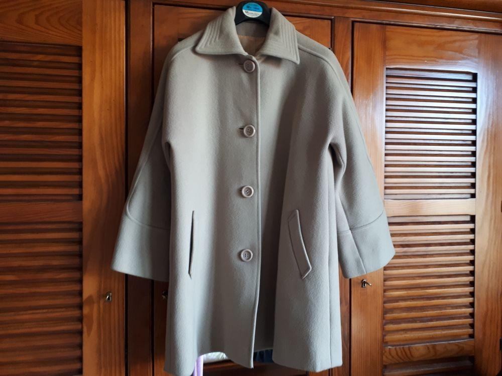 Manteau en laine crème  - 40/42 - 30 euros 30 Villemomble (93)