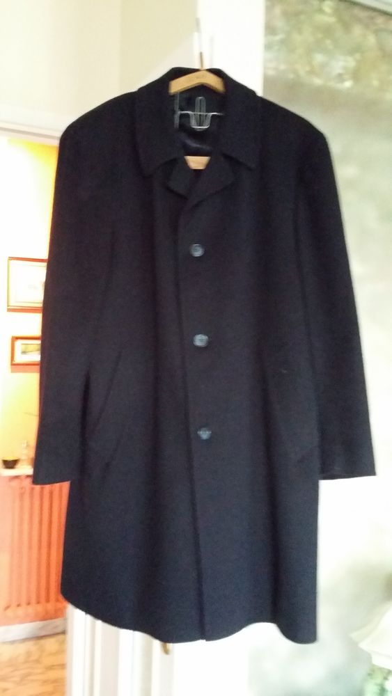 Achetez manteau bleu marine quasi neuf, annonce vente à