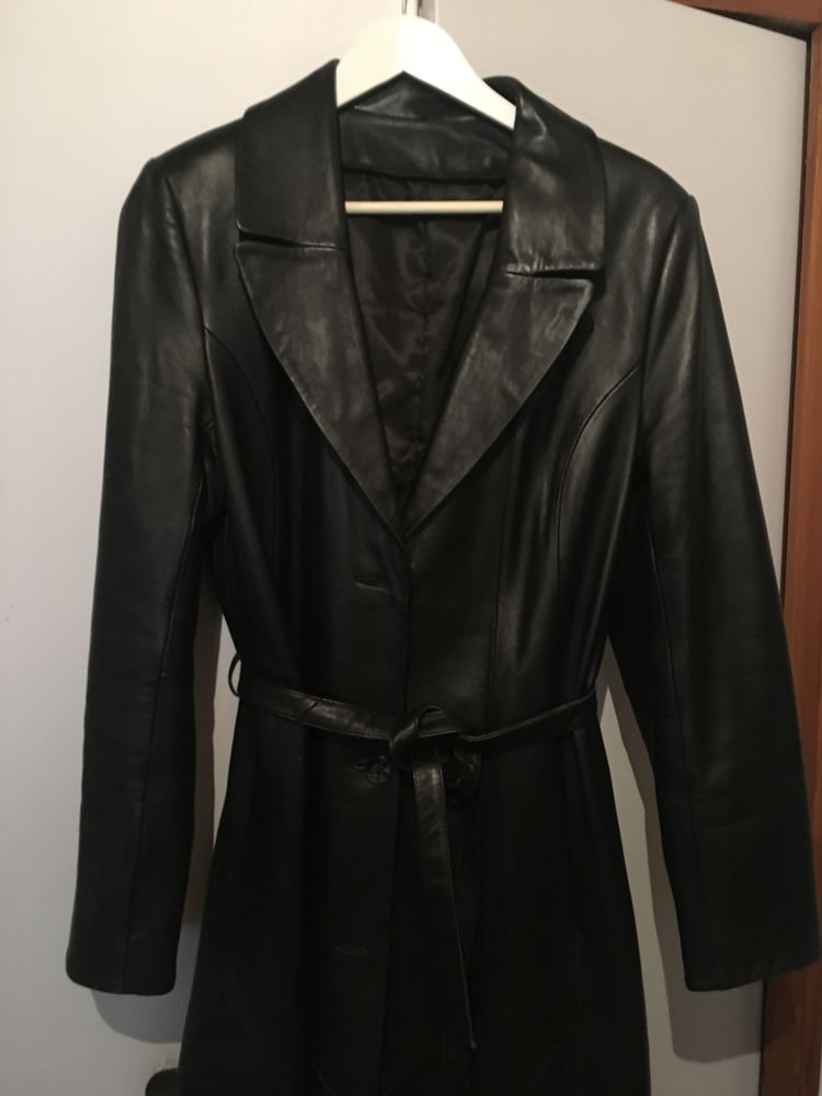 Manteau long en cuir  500 Tournon-sur-Rhône (07)