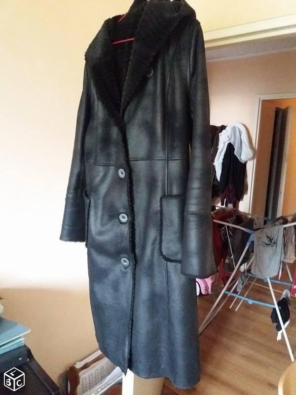 Manteau long simili cuir 30 Saint-Maur-des-Fossés (94)