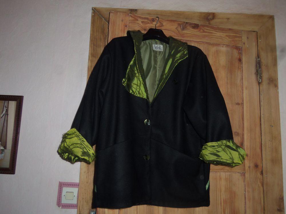 Manteau neuf marque l'Anti-Mite.  50 Mont-de-Marsan (40)