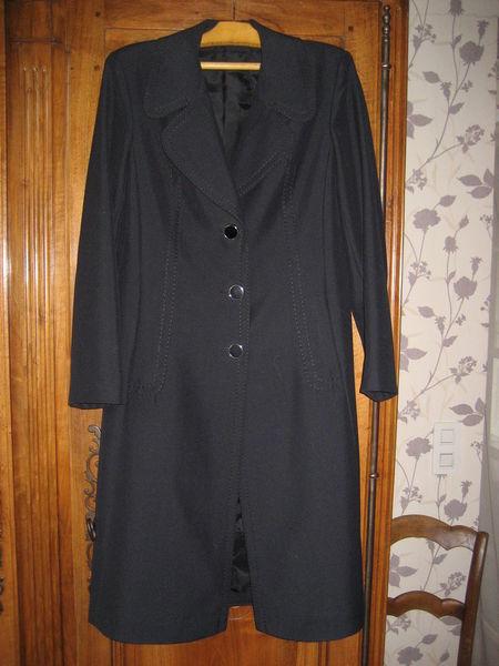 Manteau  noir 45% laine peignée Taille 40 12 Nyons (26)
