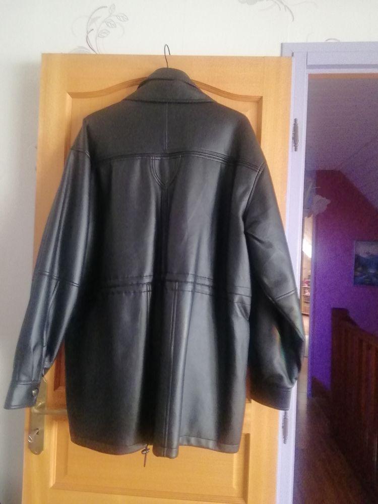 Manteau 3/4 noir simili cuir taille XL 25 Meurchin (62)