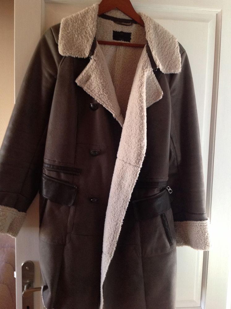 Manteau en peau retournée 30 Jouars-Pontchartrain (78)