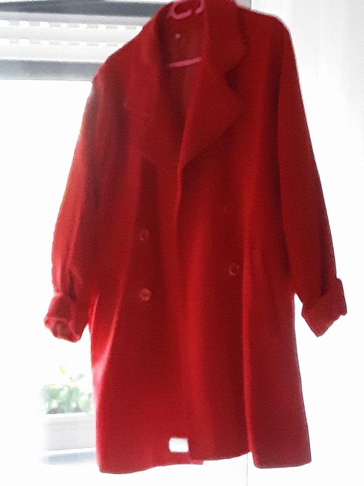Manteau rouge 30 Saint-Jean-de-Luz (64)
